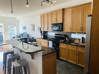 Photo 3: 2510 17 Street SE in Calgary: Inglewood Detached for sale : MLS®# A1104321