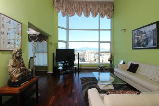 """Photo 3: 1102 8081 WESTMINSTER Highway in Richmond: Brighouse Condo for sale in """"Richmond Landmark"""" : MLS®# R2554856"""