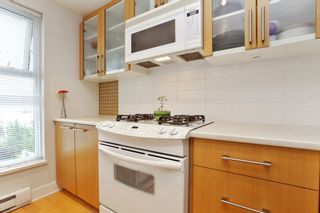 "Photo 11: 804 121 W 16TH Street in North Vancouver: Central Lonsdale Condo for sale in ""SILVA"" : MLS®# R2269546"