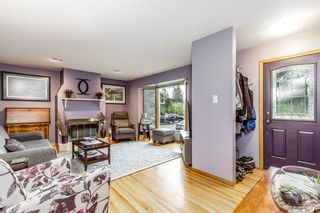 Photo 3: 73 Langton Drive SW in Calgary: North Glenmore Park Detached for sale : MLS®# A1112301