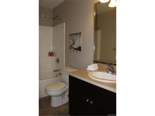 Photo 12: Photos: 3354 Langrish Mews in VICTORIA: La Walfred House for sale (Langford)  : MLS®# 748509