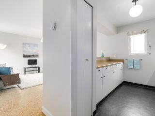 """Photo 6: 58 870 W 7TH Avenue in Vancouver: Fairview VW Townhouse for sale in """"Laurel Court"""" (Vancouver West)  : MLS®# R2169394"""