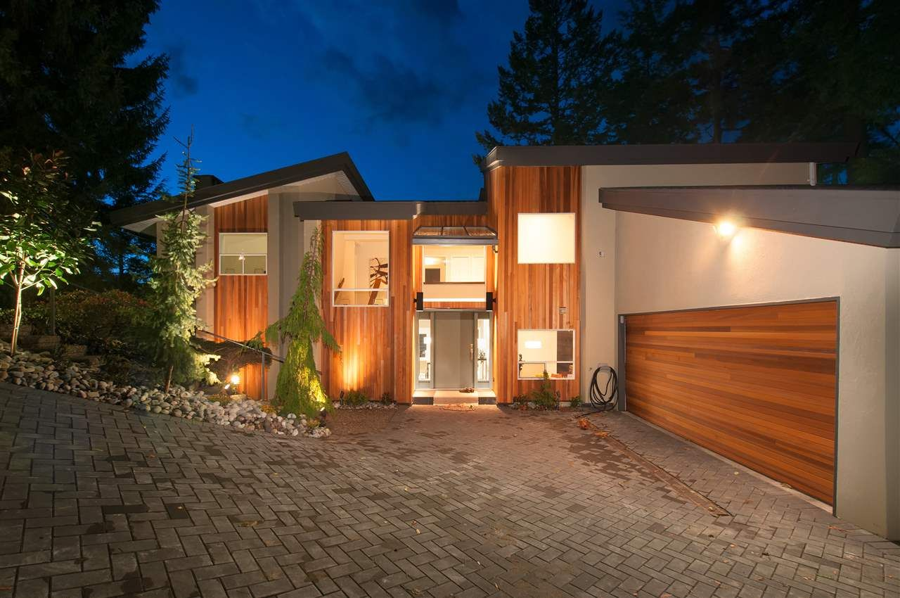 Main Photo: 6277 TAYLOR Drive in West Vancouver: Gleneagles House for sale : MLS®# R2544305