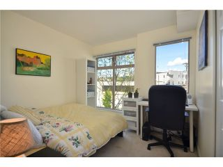 """Photo 7: 306 688 E 16TH Avenue in Vancouver: Fraser VE Condo for sale in """"VINTAGE EAST SIDE"""" (Vancouver East)  : MLS®# V950370"""