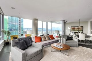 "Photo 13: 2003 1077 W CORDOVA Street in Vancouver: Coal Harbour Condo for sale in ""SHAW TOWER-COAL HARBOUR WATERFRONT"" (Vancouver West)  : MLS®# R2526230"