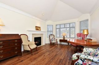 """Photo 2: 306 3088 W 41ST Avenue in Vancouver: Kerrisdale Condo for sale in """"THE LANESBOROUGH"""" (Vancouver West)  : MLS®# R2339683"""