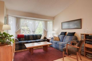 Photo 6: 17 Shannon Circle SW in Calgary: Shawnessy Detached for sale : MLS®# A1105831
