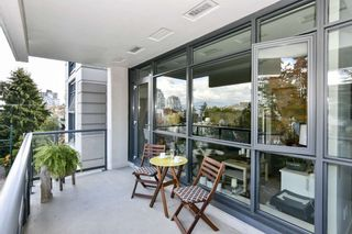 """Photo 8: 404 2851 HEATHER Street in Vancouver: Fairview VW Condo for sale in """"Tapestry"""" (Vancouver West)  : MLS®# R2512313"""