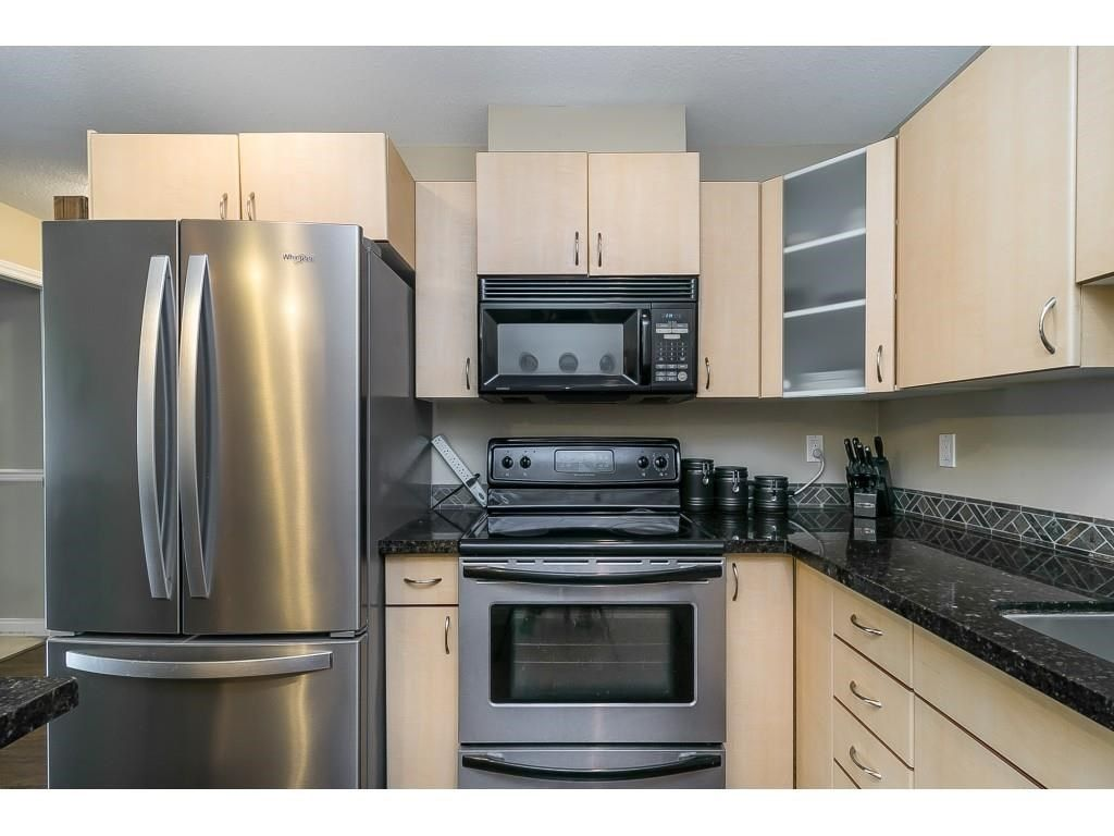 """Photo 8: Photos: 206 19774 56 Avenue in Langley: Langley City Condo for sale in """"Madison Station"""" : MLS®# R2582566"""