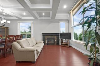 Photo 2: 5555 ROYAL OAK Avenue in Burnaby: Forest Glen BS 1/2 Duplex for sale (Burnaby South)  : MLS®# R2411910