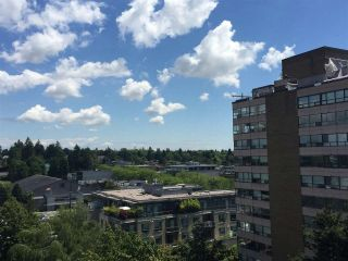 """Photo 5: 904 2165 W 40TH Avenue in Vancouver: Kerrisdale Condo for sale in """"The Veronica"""" (Vancouver West)  : MLS®# R2172373"""