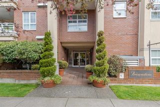 Photo 1: 414 2105 W 42ND AVENUE in Vancouver: Kerrisdale Condo for sale (Vancouver West)  : MLS®# R2356493