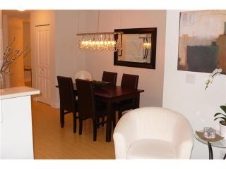 Photo 3: 113 365 E 1ST Street in North Vancouver: Lower Lonsdale Condo for sale : MLS®# V937776