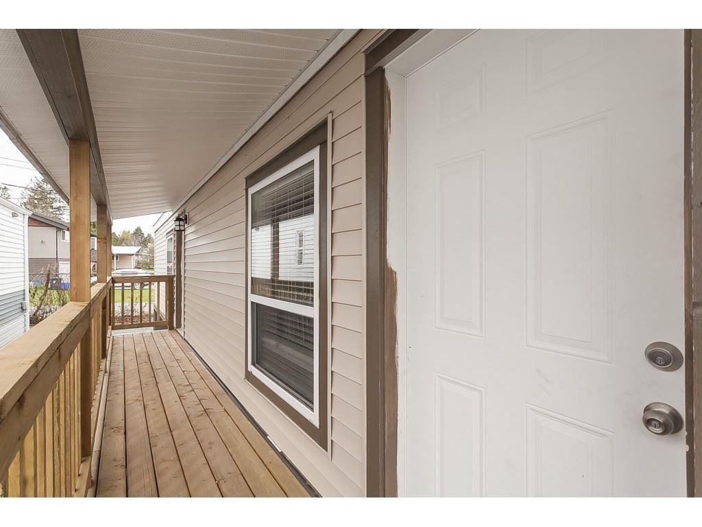 "Photo 19: Photos: 4B 26892 FRASER Highway in Langley: Aldergrove Langley Manufactured Home for sale in ""Aldergrove Mobile Home Park"" : MLS®# R2435612"