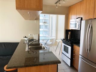 """Photo 6: 1403 1001 RICHARDS Street in Vancouver: Downtown VW Condo for sale in """"MIRO"""" (Vancouver West)  : MLS®# R2361718"""