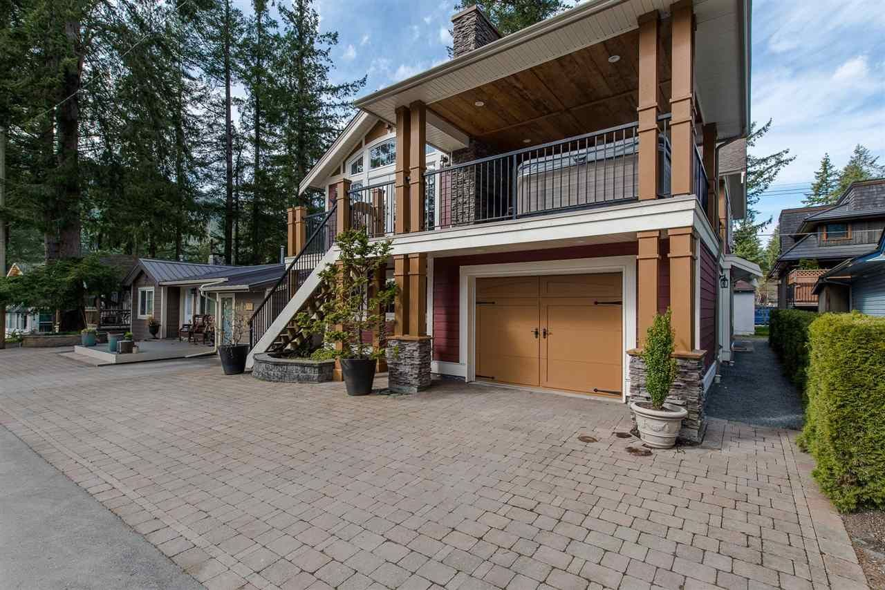 "Photo 3: Photos: 416 MAPLE Street: Cultus Lake House for sale in ""Cultus lake Park"" : MLS®# R2493541"