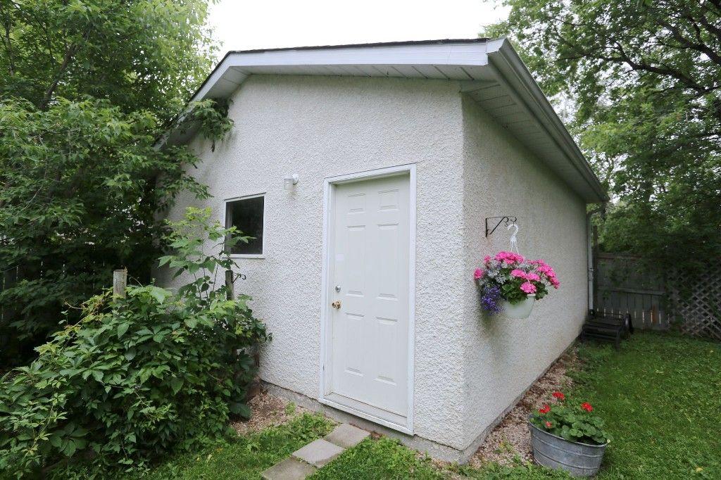 Photo 18: Photos: 834 Oakenwald Avenue in Winnipeg: Fort Garry Single Family Detached for sale (1J)  : MLS®# 1718606
