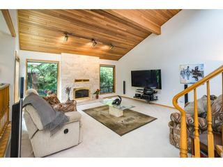 Photo 11: 5319 SOUTHRIDGE Place in Surrey: Panorama Ridge House for sale : MLS®# R2612903