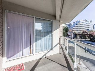 """Photo 19: 3209 33 CHESTERFIELD Place in North Vancouver: Lower Lonsdale Condo for sale in """"HARBOURVIEW PARK"""" : MLS®# R2008580"""
