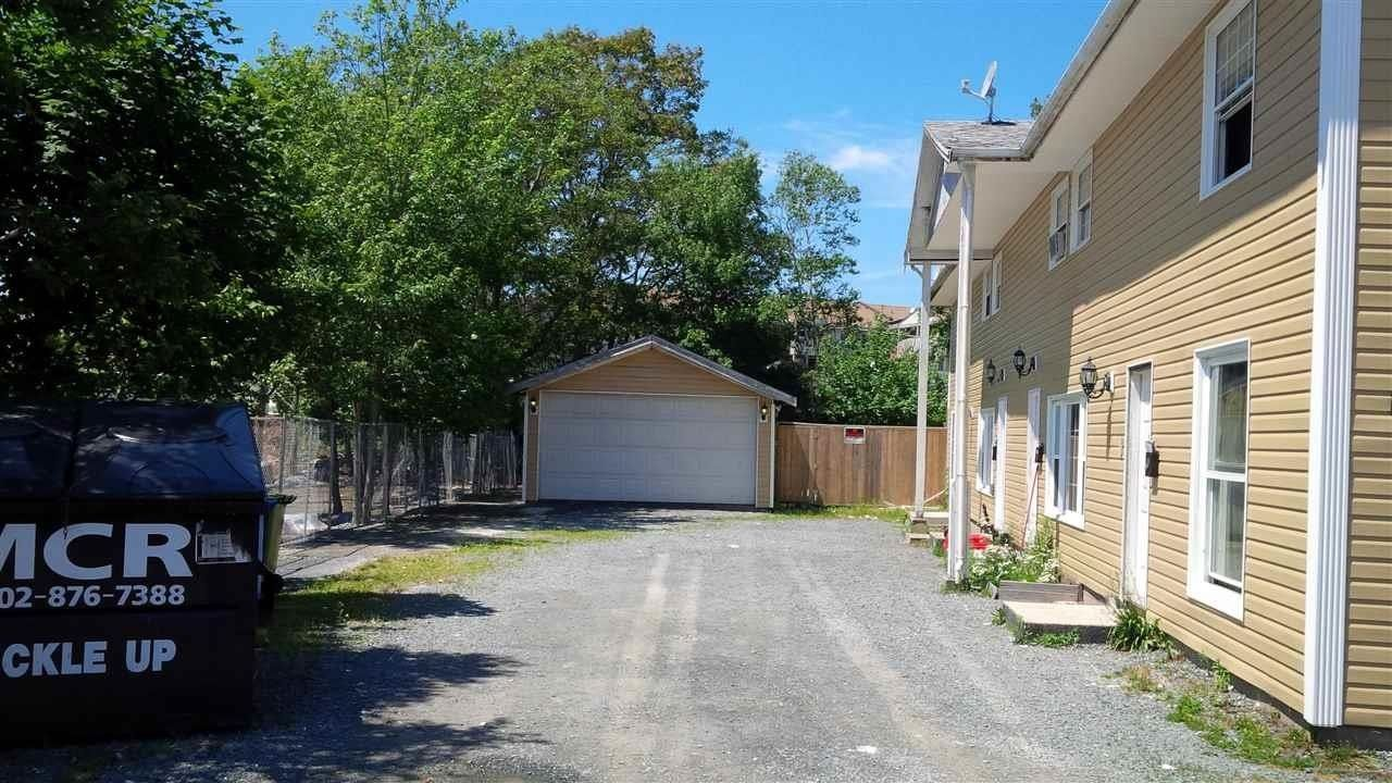 Main Photo: 130 Pinecrest Drive in Dartmouth: 10-Dartmouth Downtown To Burnside Multi-Family for sale (Halifax-Dartmouth)  : MLS®# 202111282