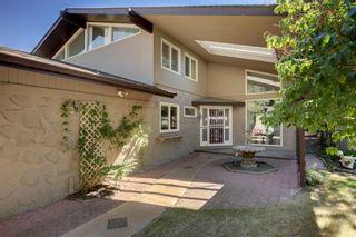 Photo 3: 12111 Lake Louise Way SE in Calgary: Lake Bonavista Detached for sale : MLS®# A1127143