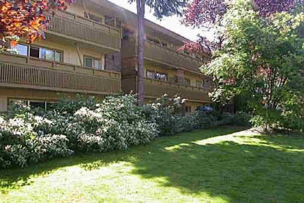 Photo 1: Photos: 1076 W 14TH AVENUE: Multifamily for sale (Vancouver West)  : MLS®# V392723