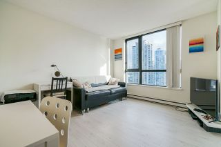 """Photo 5: 1407 977 MAINLAND Street in Vancouver: Yaletown Condo for sale in """"YALETOWN PARK 3"""" (Vancouver West)  : MLS®# R2524539"""