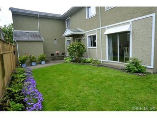 Photo 1: 12 10070 Fifth St in SIDNEY: Si Sidney North-East Row/Townhouse for sale (Sidney)  : MLS®# 672523