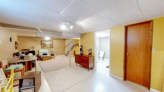 Photo 16: 5 Connaught Place in Pinawa: R18 Residential for sale : MLS®# 202118519