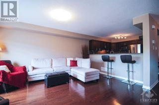Photo 2: 294 CITIPLACE DRIVE in Ottawa: House for rent : MLS®# 1265436