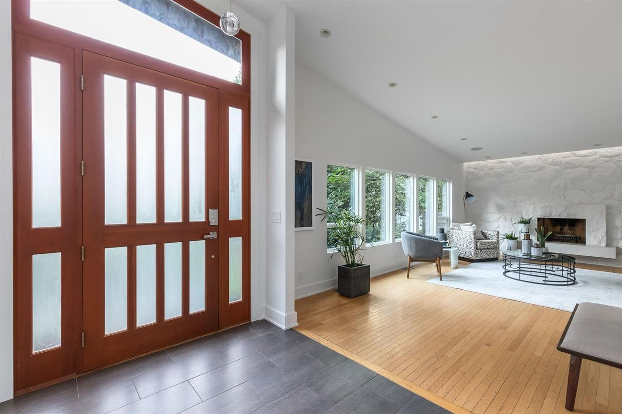 Photo 4: Photos: 315 MULGRAVE Place in West Vancouver: British Properties House for sale : MLS®# R2483368