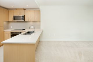 "Photo 9: 602 5981 GRAY Avenue in Vancouver: University VW Condo for sale in ""SAIL"" (Vancouver West)  : MLS®# R2360699"