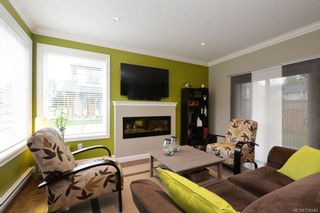 Photo 2: 3352 Piper Rd in Langford: La Happy Valley House for sale : MLS®# 724540