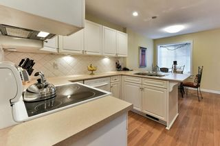 "Photo 3: 122 28 RICHMOND Street in New Westminster: Fraserview NW Townhouse for sale in ""CASTLERIDGE"" : MLS®# R2157628"