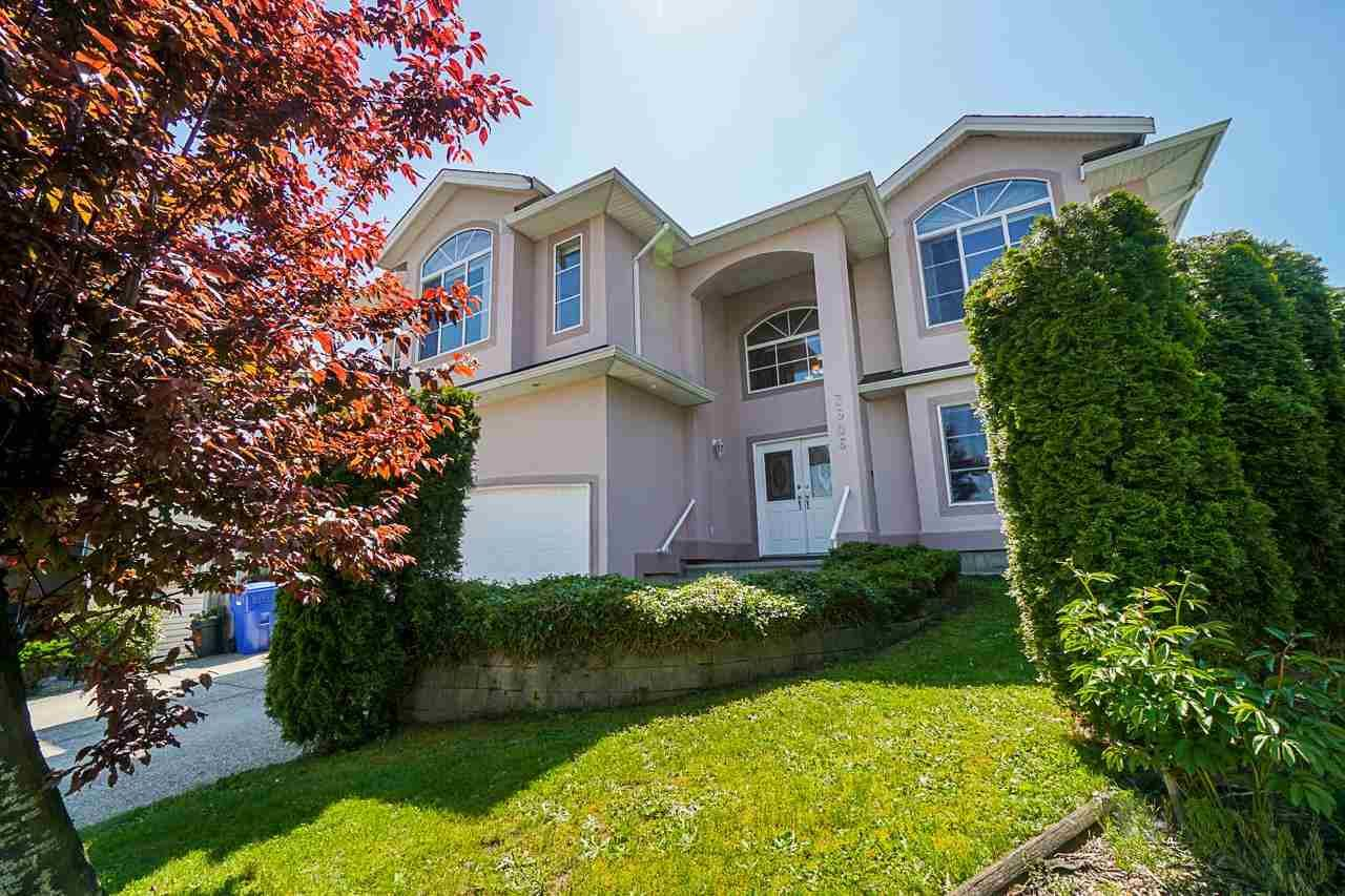 """Main Photo: 3606 SYLVAN Place in Abbotsford: Abbotsford West House for sale in """"Townline"""" : MLS®# R2598189"""