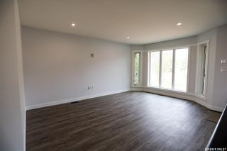 Photo 2: 351 29th Street in Battleford: Residential for sale : MLS®# SK871813