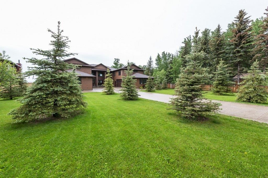 Main Photo: A 32 Bernice Avenue, Pigeon Lake: Rural Leduc County House for sale : MLS®# E4249204