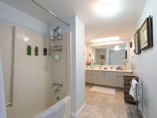 Photo 13: 5 1096 Stoba Lane in : SE Quadra Row/Townhouse for sale (Saanich East)  : MLS®# 851744