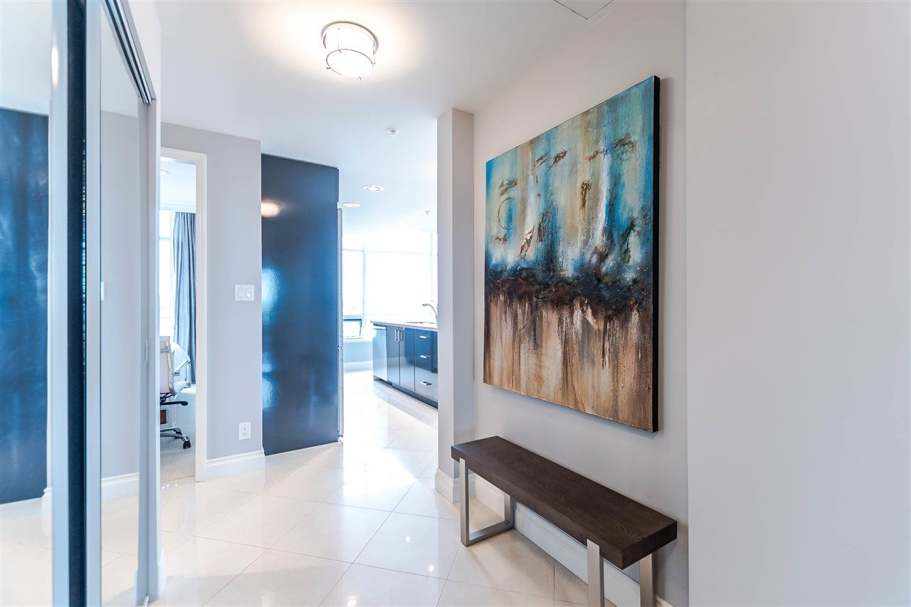 """Photo 5: Photos: 1004 172 VICTORY SHIP Way in North Vancouver: Lower Lonsdale Condo for sale in """"Atrium at the Pier"""" : MLS®# R2147061"""