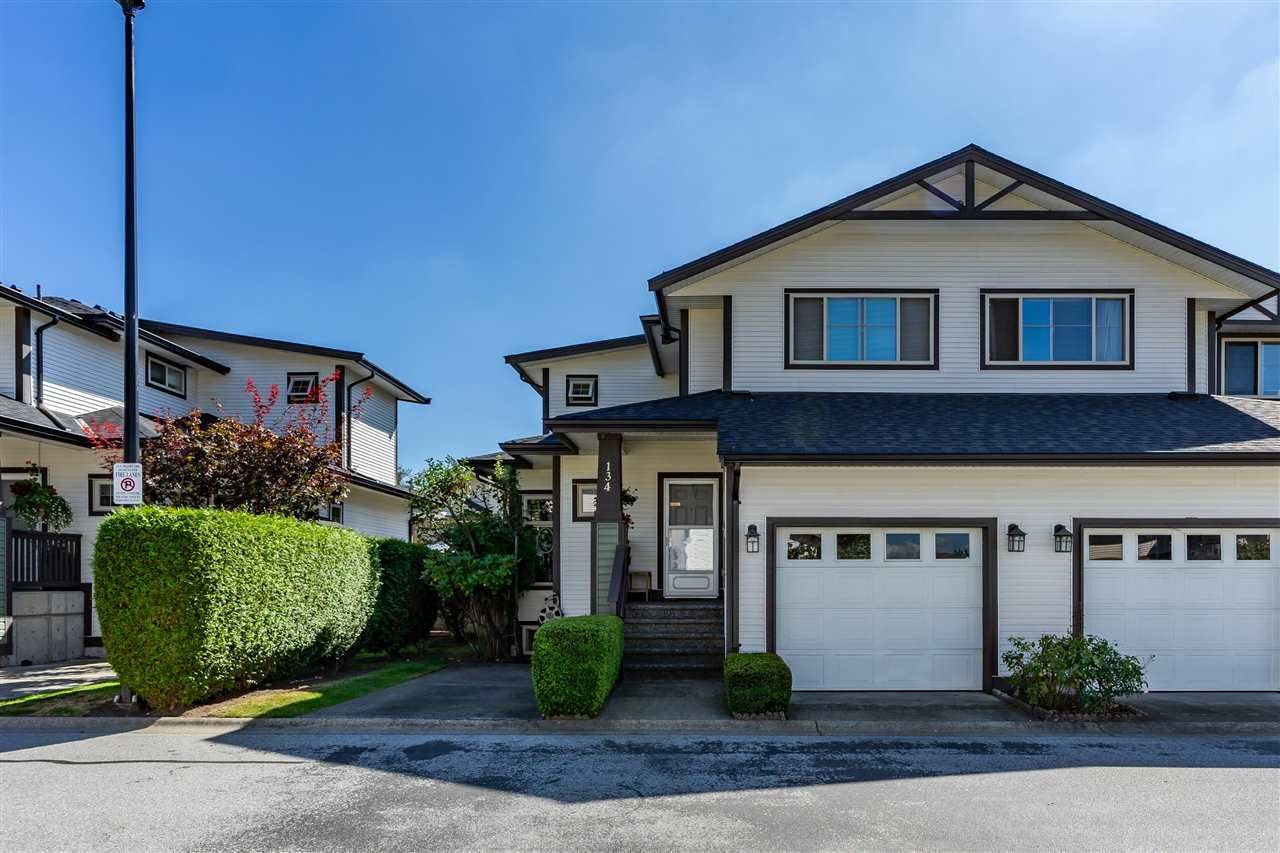 "Main Photo: 134 20820 87 Avenue in Langley: Walnut Grove Townhouse for sale in ""The Sycamores"" : MLS®# R2493500"