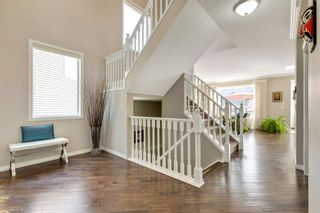Photo 5: 32 Cougar Ridge Place SW in Calgary: Cougar Ridge Detached for sale : MLS®# A1130851