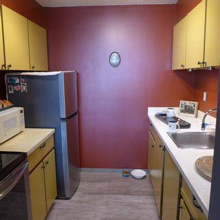 Photo 2: 90 8735 165 Street in Edmonton: Zone 22 Condo for sale : MLS®# E4241638