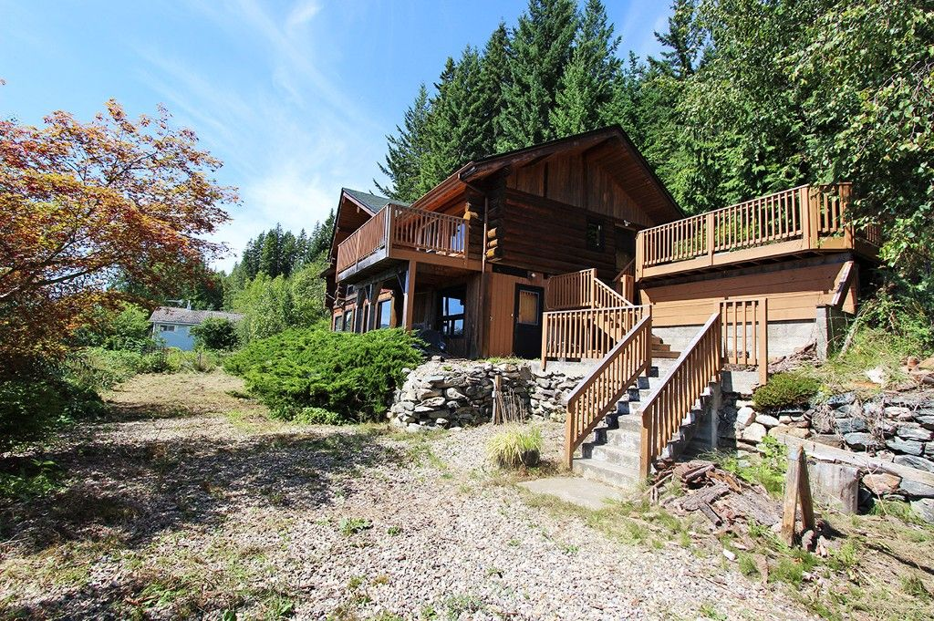 Photo 8: Photos: 8079 Squilax Anglemont Highway: St. Ives House for sale (North Shuswap)  : MLS®# 10179329