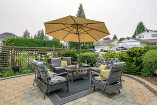 """Photo 2: 16043 10A Avenue in Surrey: King George Corridor House for sale in """"South Meridian"""" (South Surrey White Rock)  : MLS®# R2612889"""