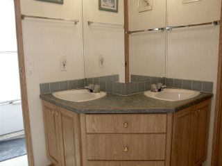Photo 9: 15 62790 FLOOD HOPE Road in Hope: Hope Center Manufactured Home for sale : MLS®# R2554329