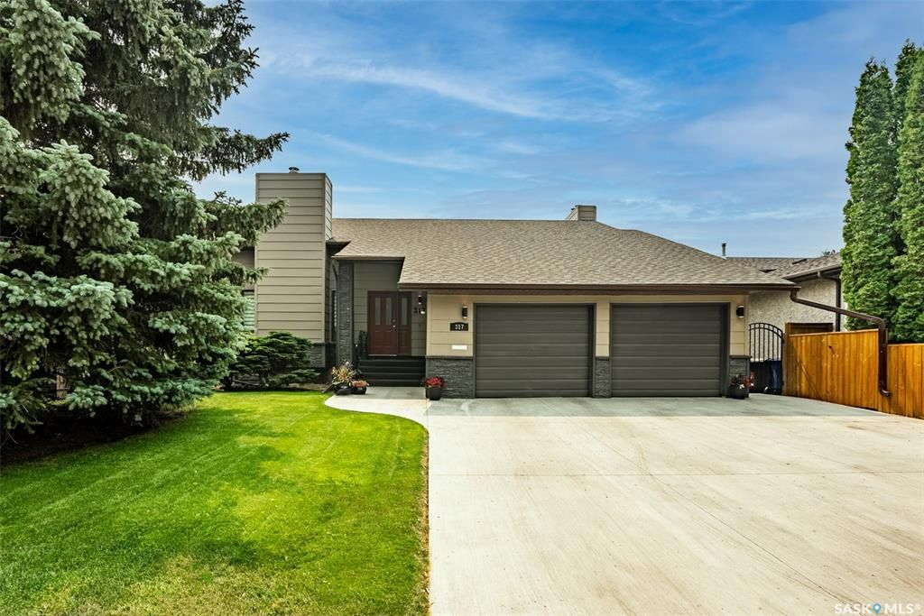 Main Photo: 317 Rossmo Road in Saskatoon: Forest Grove Residential for sale : MLS®# SK864416
