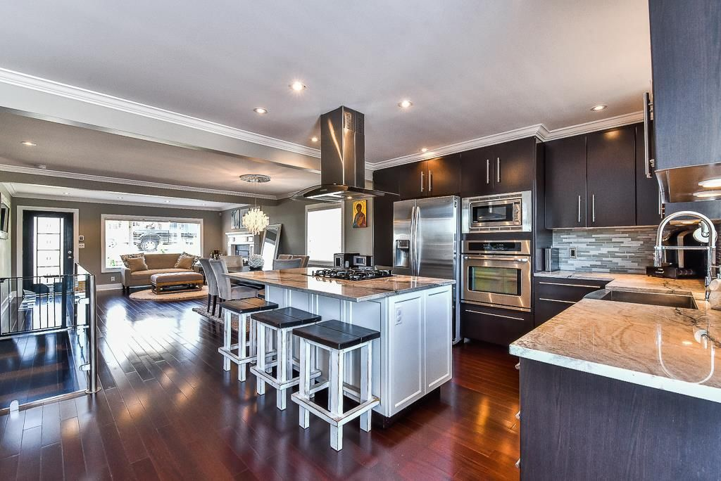 Main Photo: 20 WARWICK Avenue in Burnaby: Capitol Hill BN House for sale (Burnaby North)  : MLS®# R2206345