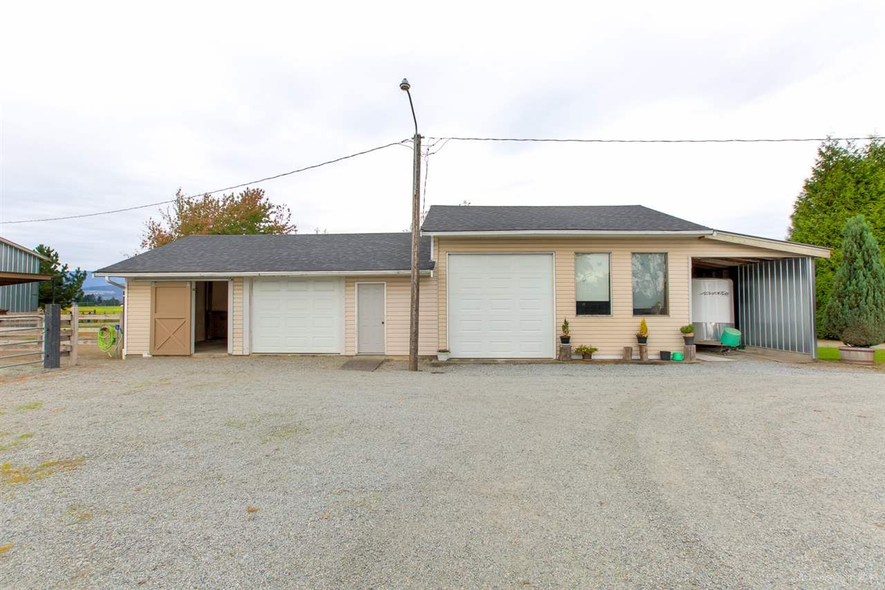 Photo 8: Photos: 13479 SHARPE Road in Pitt Meadows: North Meadows PI House for sale : MLS®# R2420820
