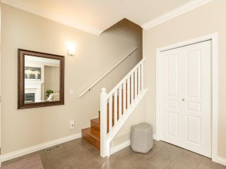 "Photo 3: 27 5240 OAKMOUNT Crescent in Burnaby: Oaklands Townhouse for sale in ""SANTA CLARA"" (Burnaby South)  : MLS®# R2542341"