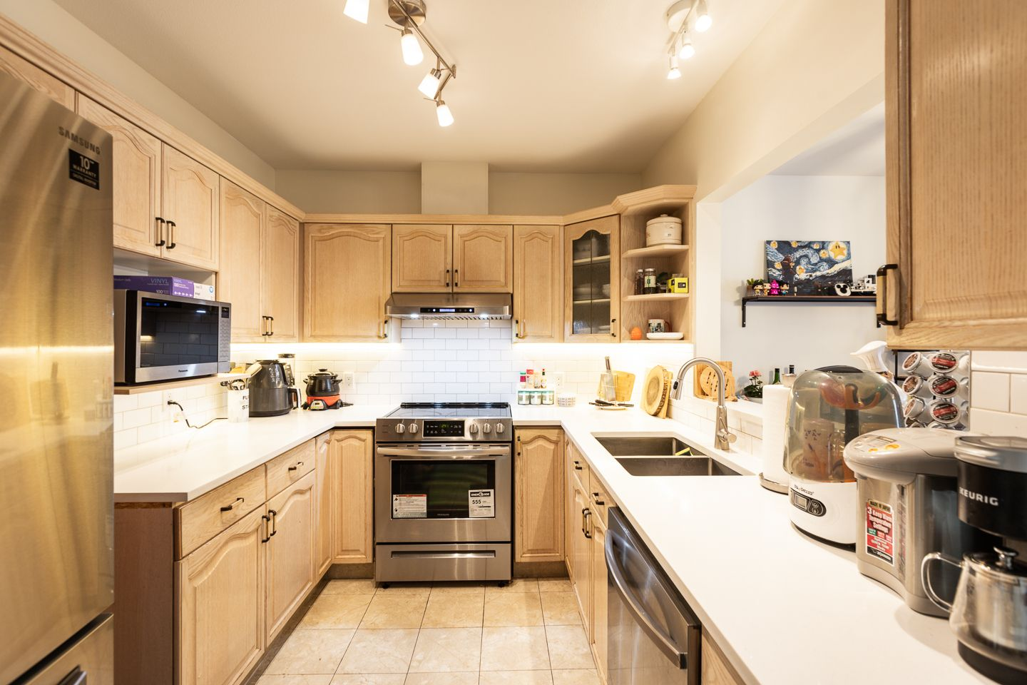 Photo 5: Photos: #8-3701 THURSTON ST in BURNABY: Central Park BS Condo for sale (Burnaby South)  : MLS®# R2572861